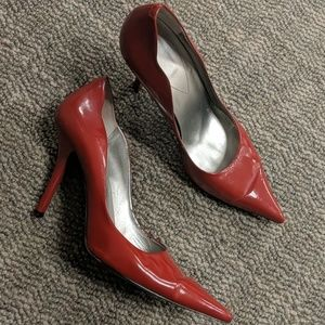 GUESS Red patent leather pumps - 9M